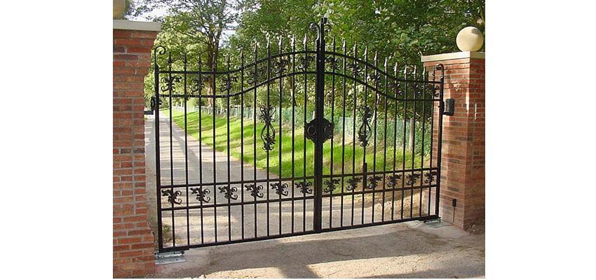Swing gate 1