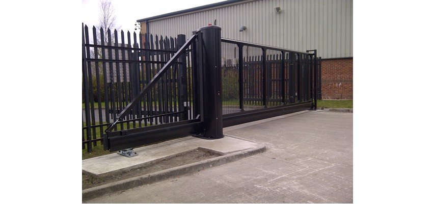 Sliding metal gate